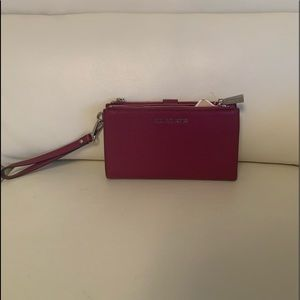 Michael Kors DBL Zip Wristlet/Clutch in Fuchsia